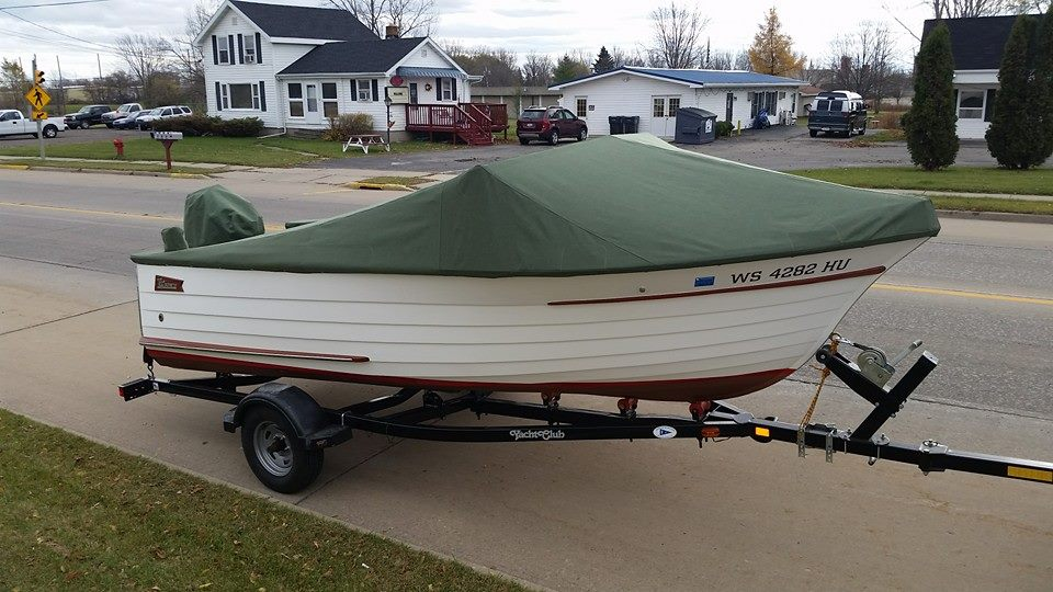 Custom Sunbrella Boat Cover: Wood boat full cockpit cover with motor pocket