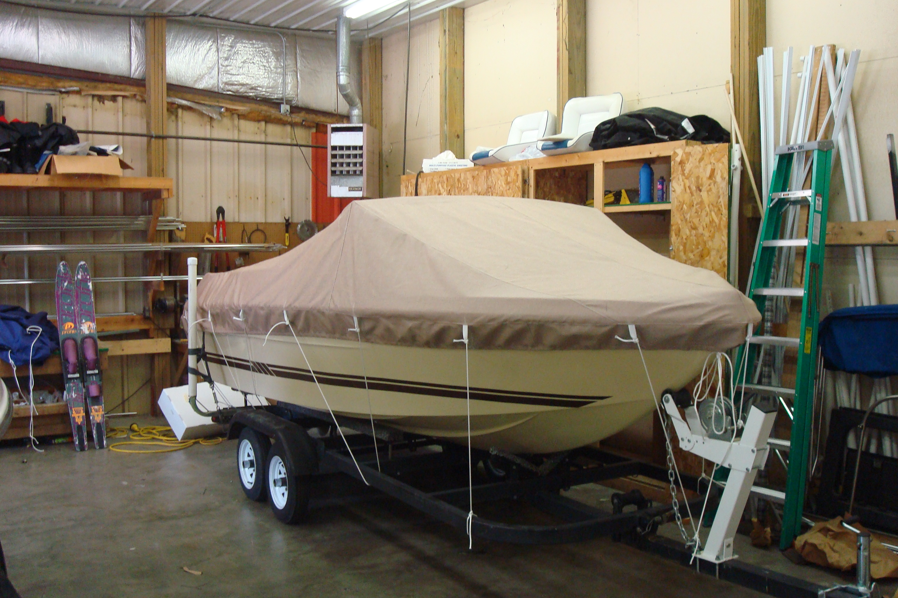 Custom Sunbrella Boat Cover: Sea Ray tie down mooring cover