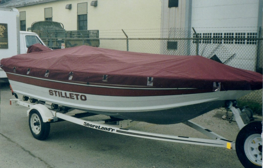 Custom Sunbrella Boat Cover: Fishing boat side console tie down moring cover with motor pocket