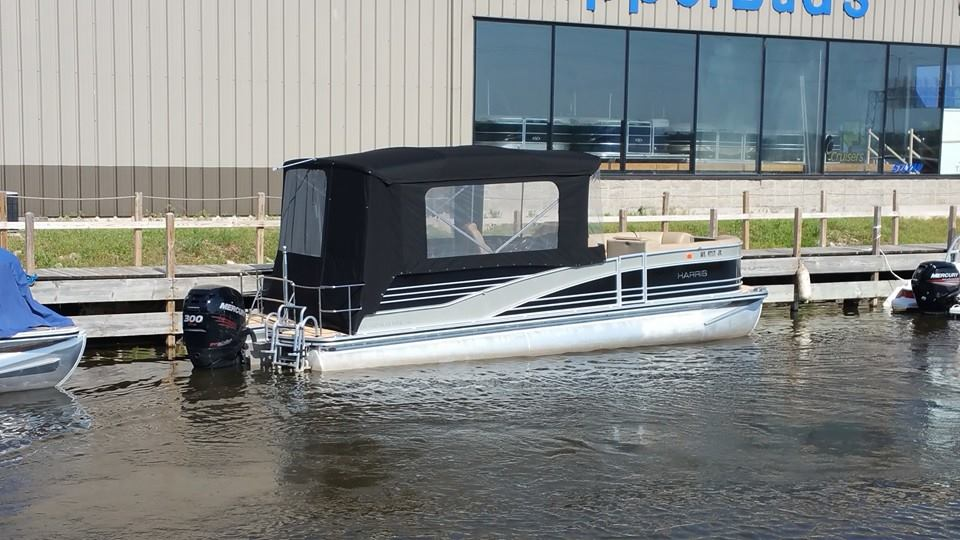 Custom Pontoon Boat Enclosure: Pontoon half enclosure witn front and rear entries and several screen options