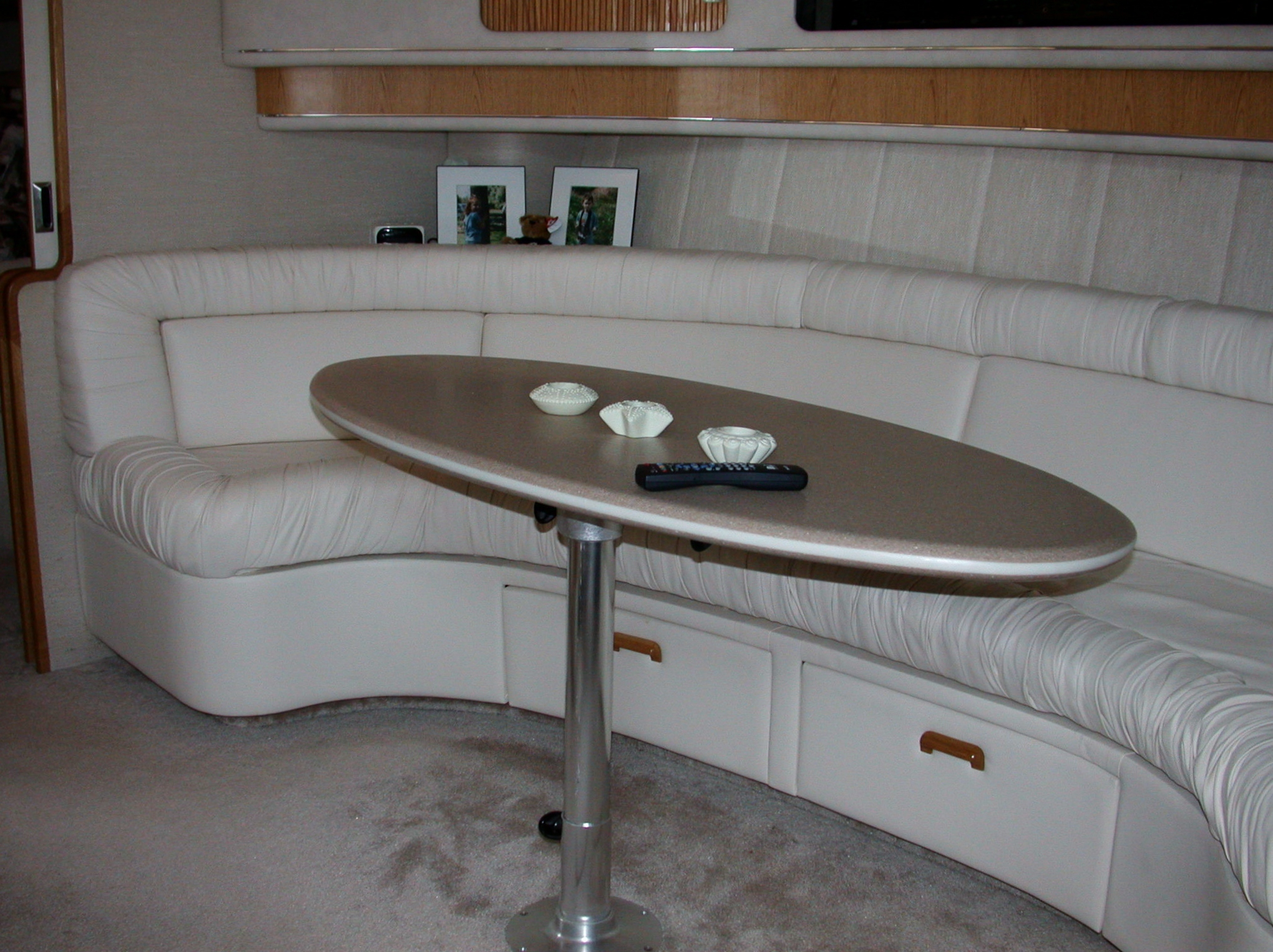 Custom Marine Interiors, Upholstery, and Carpeting: 440 Sea Ray Sundancer salon ultra leather lounge